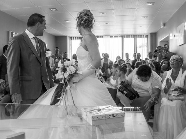 Le mariage de Laurent et Emilie à Monchecourt, Nord 69