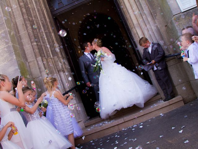 Le mariage de Laurent et Emilie à Monchecourt, Nord 104