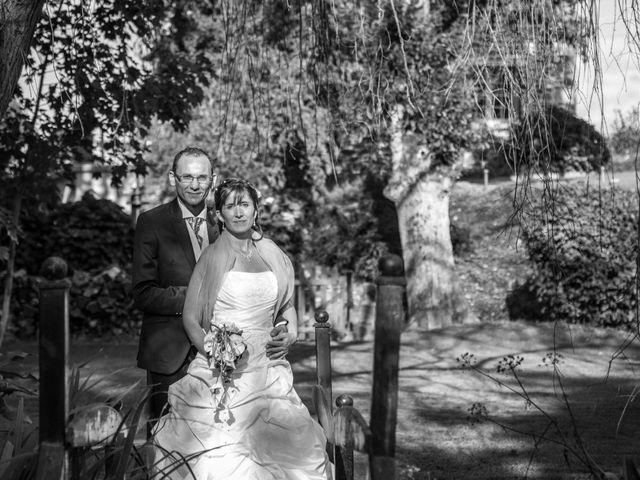 Le mariage de Stephen et Perle à Cuguen, Ille et Vilaine 19