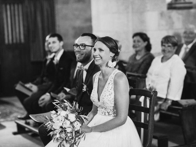Le mariage de Benjamin et Charlotte à Robion, Vaucluse 23