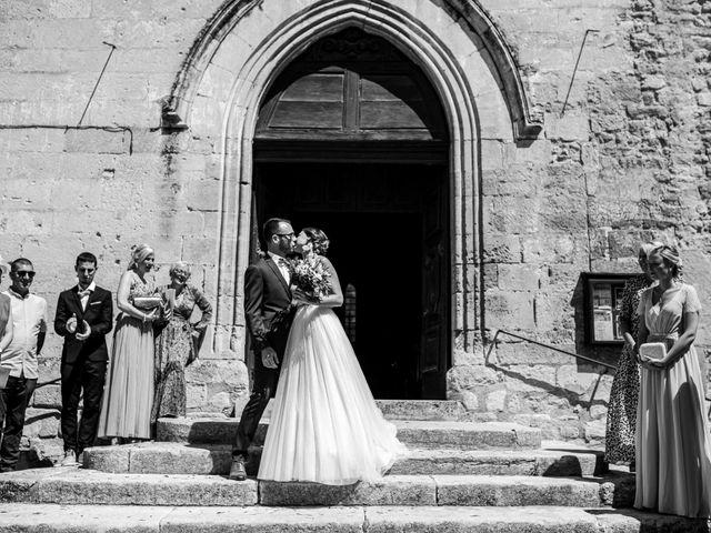 Le mariage de Benjamin et Charlotte à Robion, Vaucluse 30