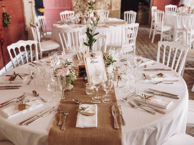 Le mariage de Benjamin et Charlotte à Robion, Vaucluse 48