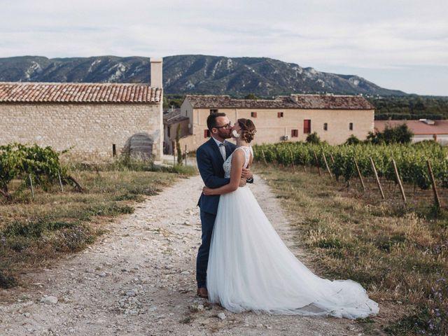 Le mariage de Benjamin et Charlotte à Robion, Vaucluse 83