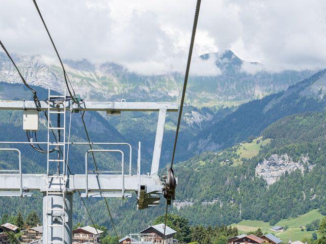 Le mariage de Raphaël et Claire à Crest-Voland, Savoie 16