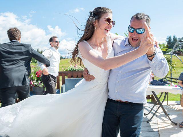 Le mariage de Raphaël et Claire à Crest-Voland, Savoie 33