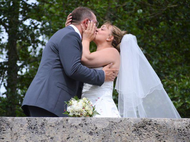 Le mariage de Alexis et Alexandra à Coudreceau, Eure-et-Loir 14