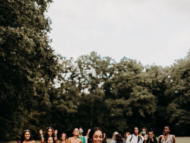 Le mariage de Kevin et Elise  à Sens, Yonne 25