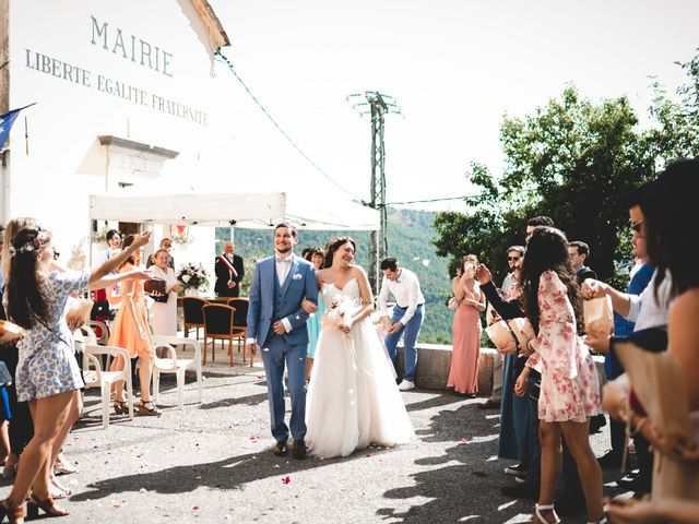 Le mariage de Hugo et Chloé à Escragnolles, Alpes-Maritimes 1