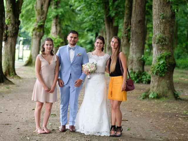 Le mariage de Alexandre et Sarah à Pontault-Combault, Seine-et-Marne 134