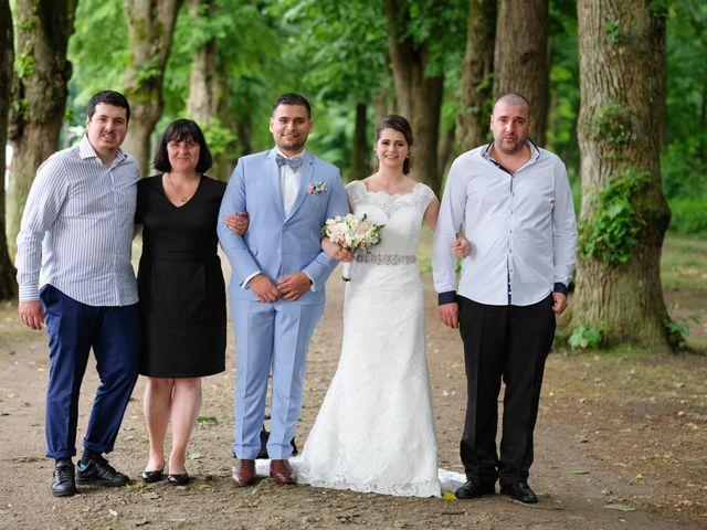 Le mariage de Alexandre et Sarah à Pontault-Combault, Seine-et-Marne 136