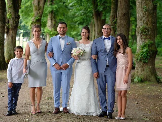 Le mariage de Alexandre et Sarah à Pontault-Combault, Seine-et-Marne 137