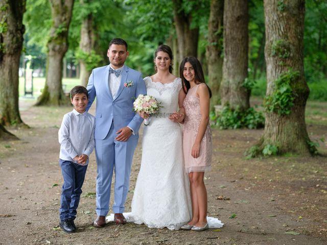 Le mariage de Alexandre et Sarah à Pontault-Combault, Seine-et-Marne 138