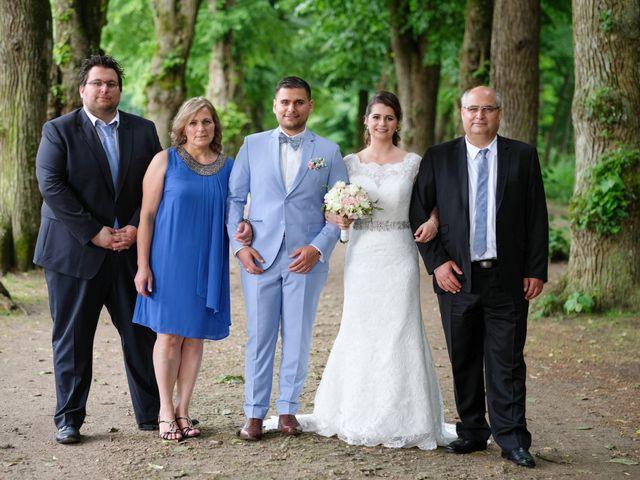 Le mariage de Alexandre et Sarah à Pontault-Combault, Seine-et-Marne 140