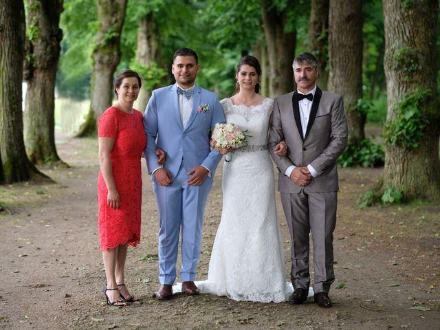 Le mariage de Alexandre et Sarah à Pontault-Combault, Seine-et-Marne 141
