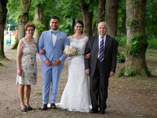 Le mariage de Alexandre et Sarah à Pontault-Combault, Seine-et-Marne 143