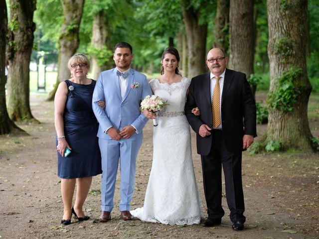 Le mariage de Alexandre et Sarah à Pontault-Combault, Seine-et-Marne 149