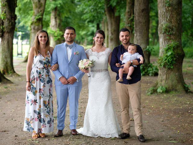Le mariage de Alexandre et Sarah à Pontault-Combault, Seine-et-Marne 150
