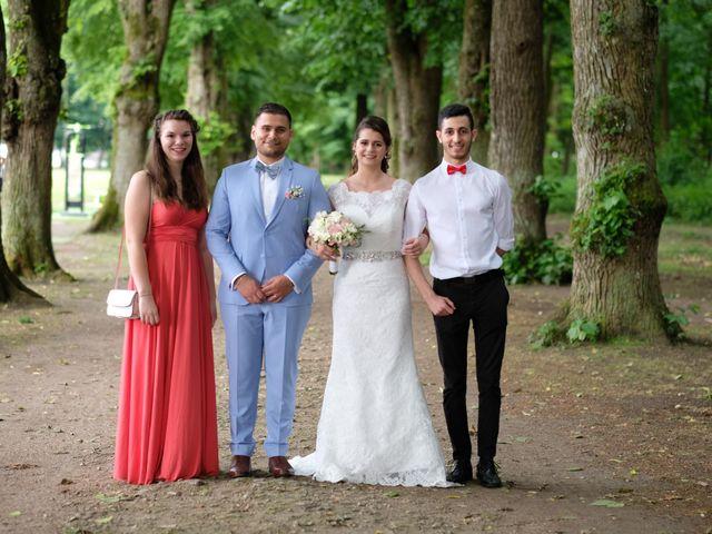 Le mariage de Alexandre et Sarah à Pontault-Combault, Seine-et-Marne 155