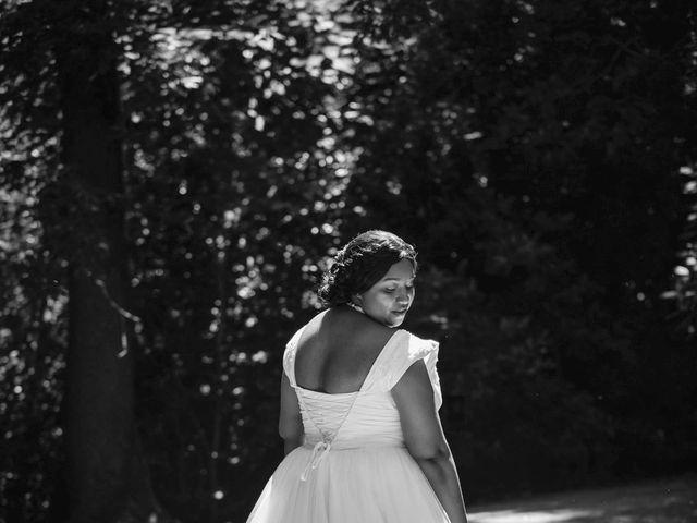 Le mariage de Stevie et Diénéba à Salles-sur-l'Hers, Aude 42