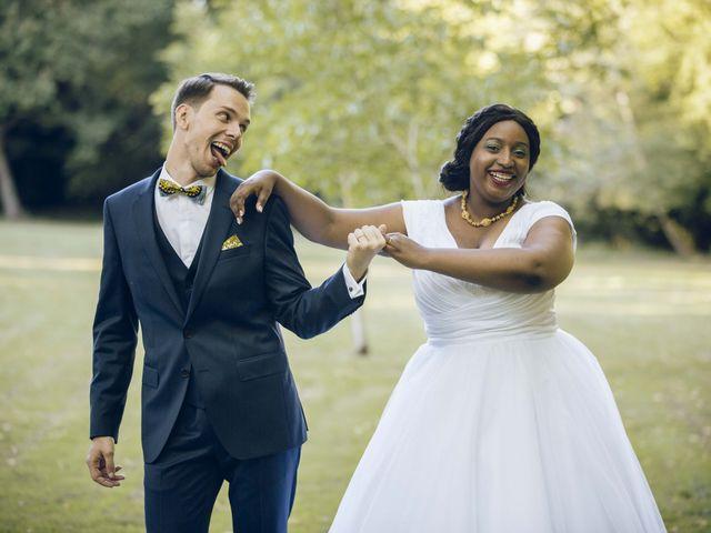Le mariage de Stevie et Diénéba à Salles-sur-l'Hers, Aude 74