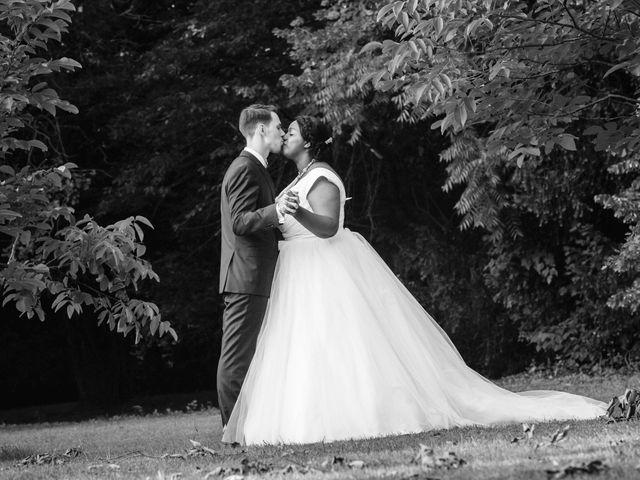 Le mariage de Stevie et Diénéba à Salles-sur-l'Hers, Aude 76