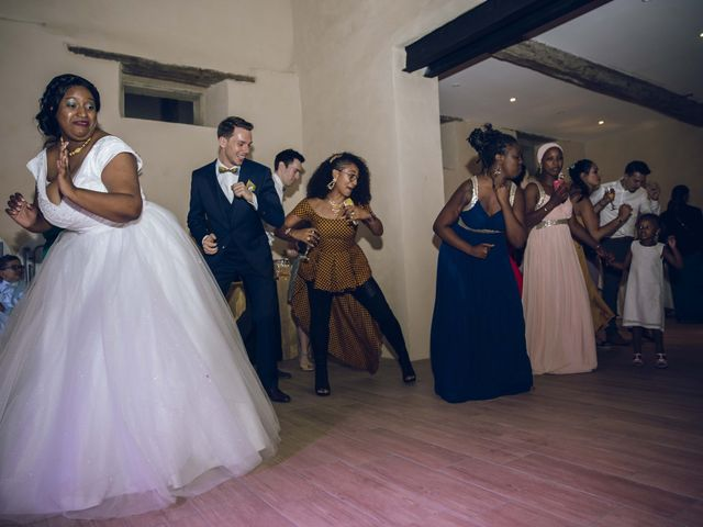 Le mariage de Stevie et Diénéba à Salles-sur-l'Hers, Aude 103