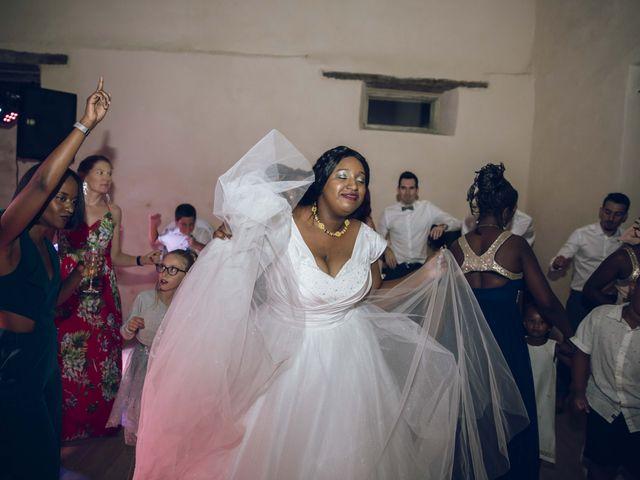 Le mariage de Stevie et Diénéba à Salles-sur-l'Hers, Aude 105