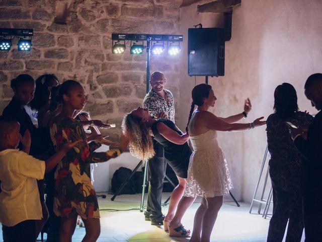 Le mariage de Stevie et Diénéba à Salles-sur-l'Hers, Aude 106