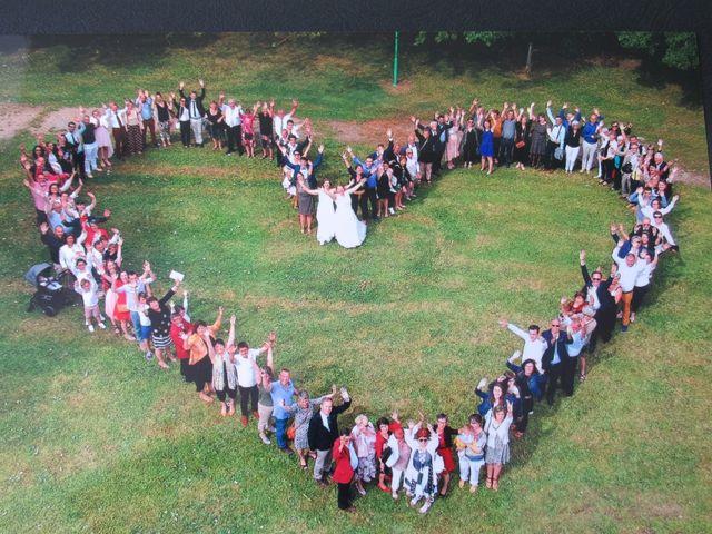 Le mariage de Julie et Coralie à Forges, Charente Maritime 1