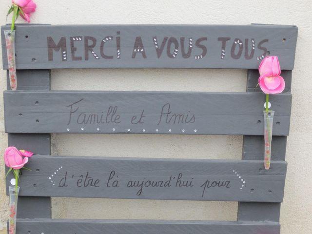 Le mariage de Julie et Coralie à Forges, Charente Maritime 9