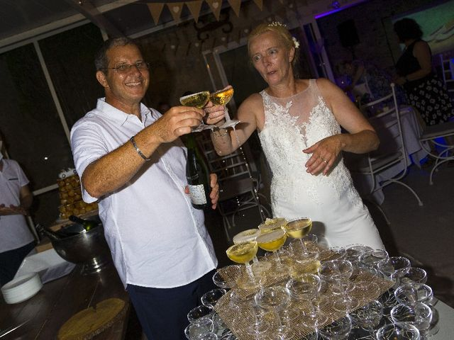 Le mariage de Magali  et David  à Lambesc, Bouches-du-Rhône 24