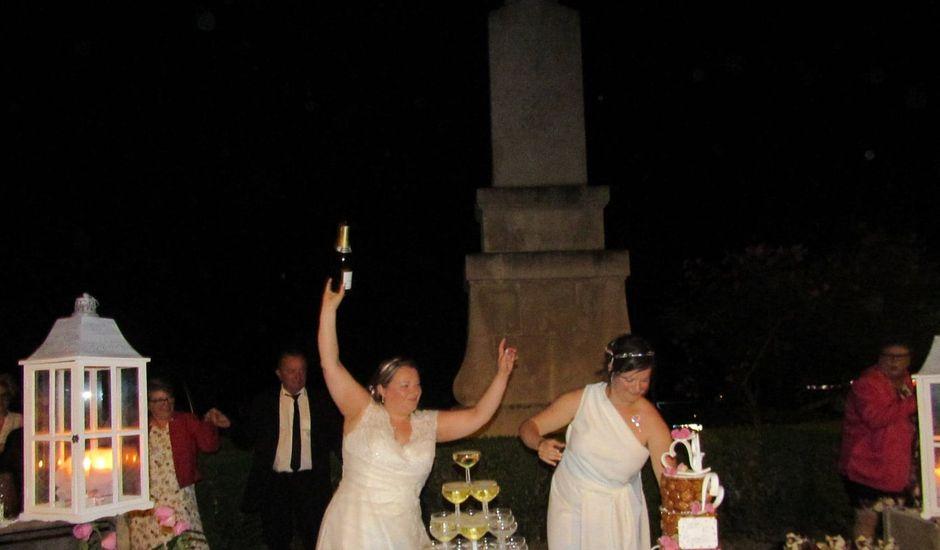 Le mariage de Julie et Coralie à Forges, Charente Maritime