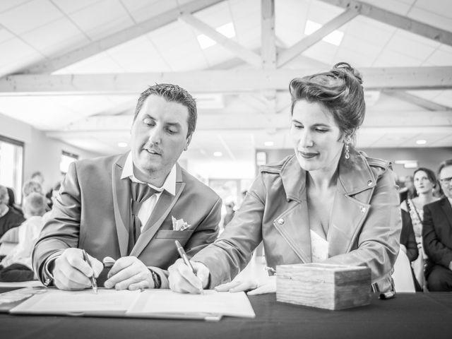 Le mariage de Sylvain et Amandine à Châbons, Isère 14