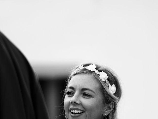 Le mariage de Jeff et Florie à Saint-Victor-la-Coste, Gard 10