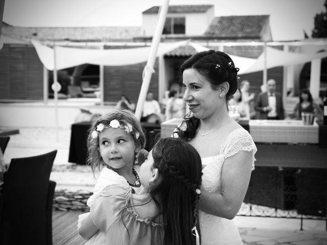 Le mariage de Jeff et Florie à Saint-Victor-la-Coste, Gard 12