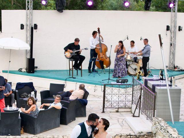 Le mariage de Jeff et Florie à Saint-Victor-la-Coste, Gard 13