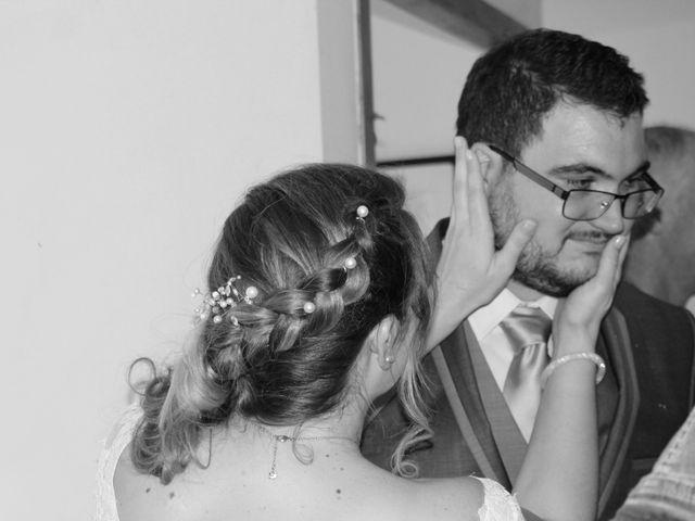 Le mariage de Victor et Nolwenn à Peyrins, Drôme 9