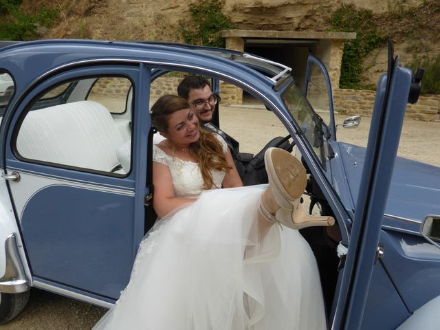 Le mariage de Victor et Nolwenn à Peyrins, Drôme 13