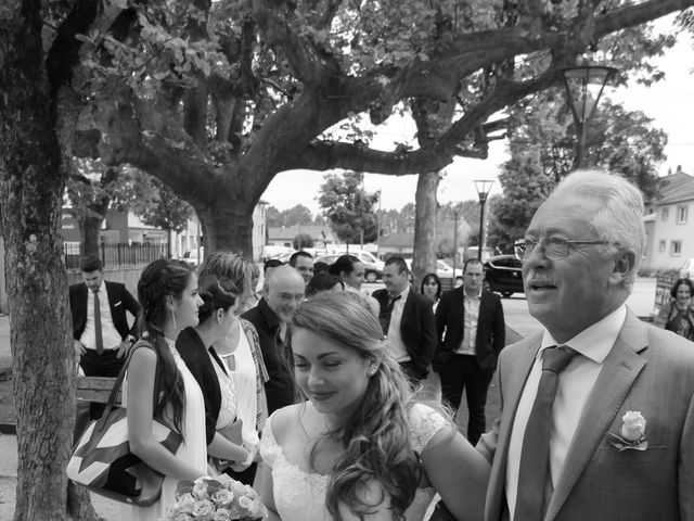 Le mariage de Victor et Nolwenn à Peyrins, Drôme 17