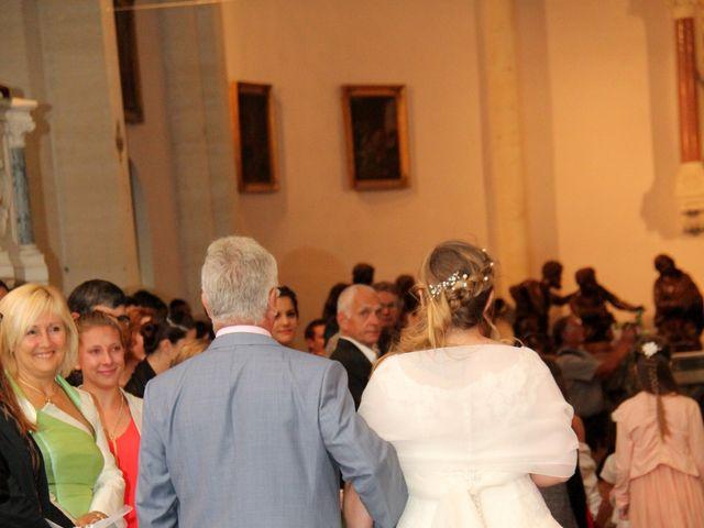 Le mariage de Victor et Nolwenn à Peyrins, Drôme 31