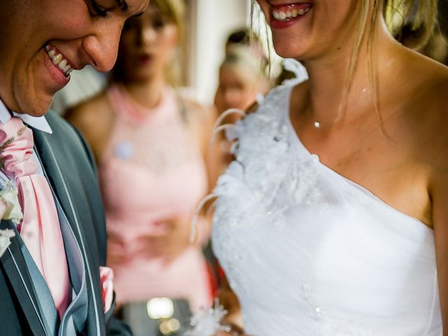 Le mariage de Jonathan et Marion à Neuville-De-Poitou, Vienne 24