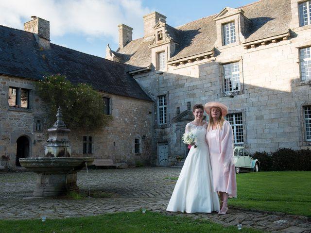 Le mariage de Guillaume Henry et Alexandra à Ploudalmézeau, Finistère 23