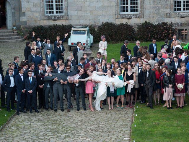 Le mariage de Guillaume Henry et Alexandra à Ploudalmézeau, Finistère 40