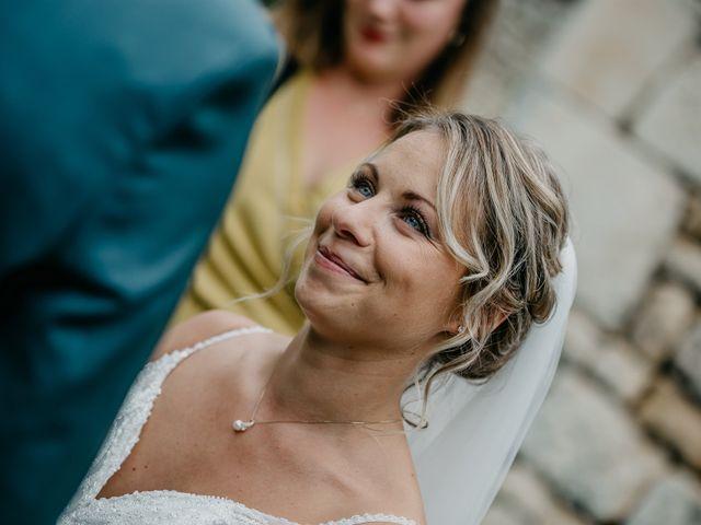 Le mariage de Logan et Marine à Port-d'Envaux, Charente Maritime 32