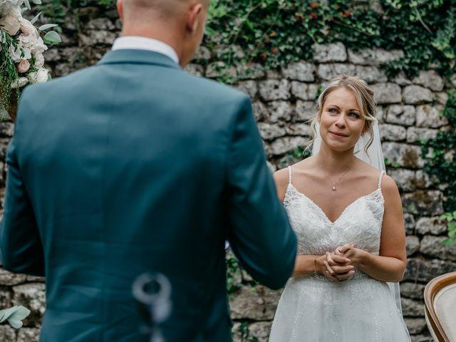 Le mariage de Logan et Marine à Port-d'Envaux, Charente Maritime 35