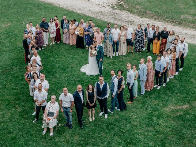 Le mariage de Logan et Marine à Port-d'Envaux, Charente Maritime 45