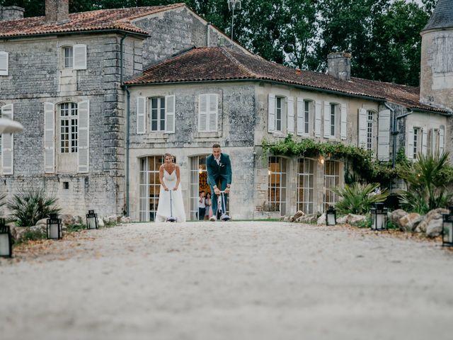 Le mariage de Logan et Marine à Port-d'Envaux, Charente Maritime 57