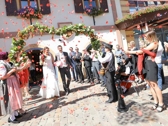 Le mariage de Vincent et Amélie à Wettolsheim, Haut Rhin 6