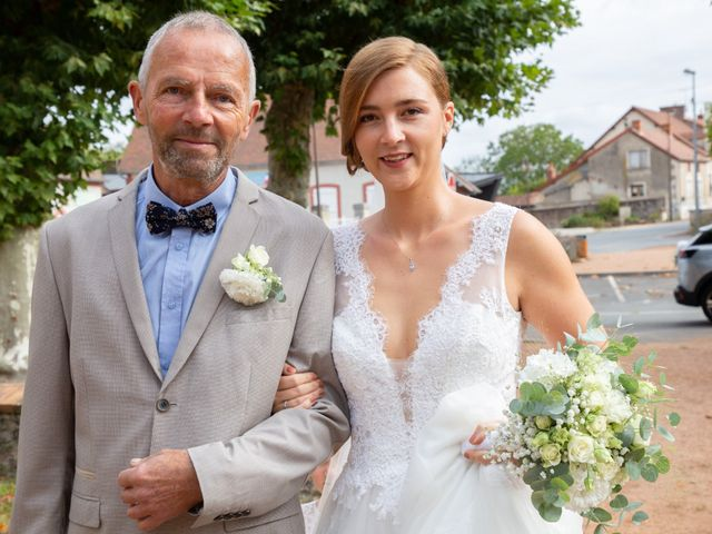 Le mariage de Aymeric et Florence à Verneix, Allier 8
