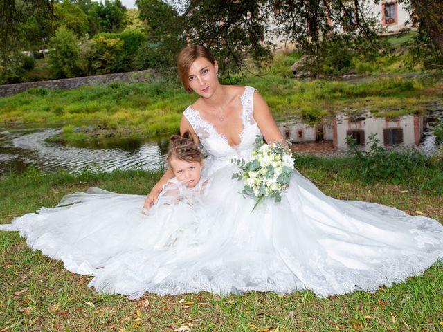 Le mariage de Aymeric et Florence à Verneix, Allier 18